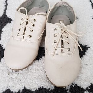Beige/Nude Laced Oxfords
